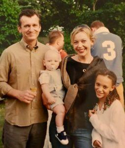 John z żoną i dziećmi na jednej z pierwszych rodzinnych imprez Colliers International. – To było w ogródku u Hadley'a Dean'a - wspomina