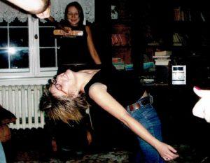 Ania Bartoszewicz na domówce - królowa parkietu. - Samba, rumba, cha-cha i tańce latynoamerykańskie – to był mój żywioł - wspomina.