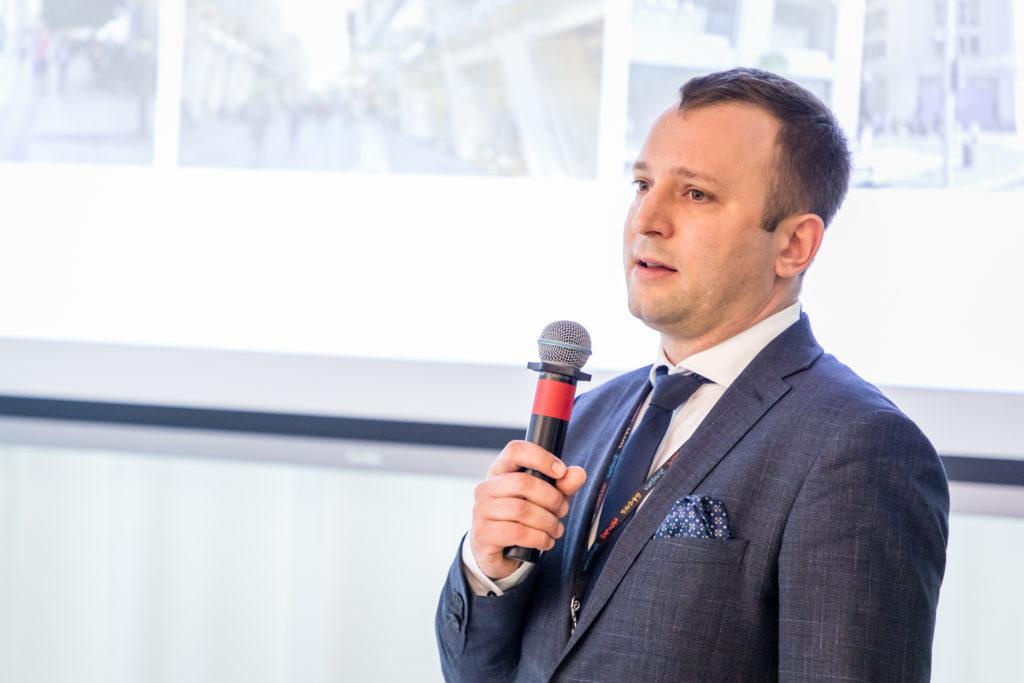 Jan Jakub Zombirt, dyrektor, JLL