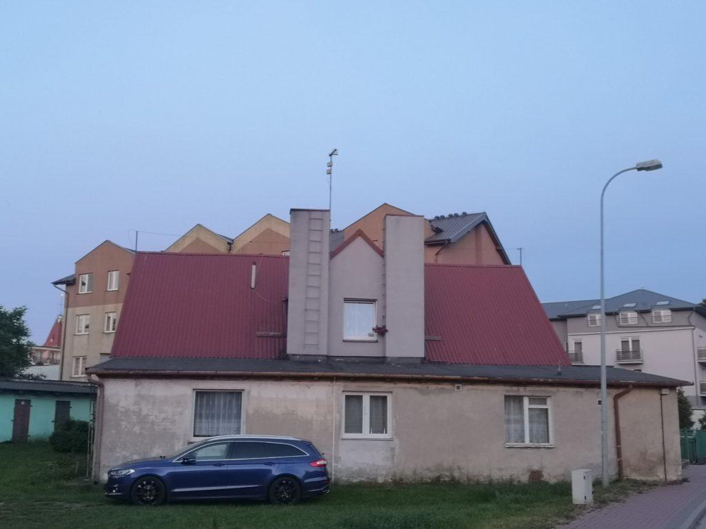 Inna twarz... architektury - wśród nowoczesnych bloków we Władysławowie
